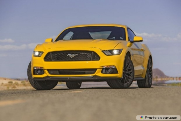 2015 Ford Mustang Gt Photo - Front Three Quarter