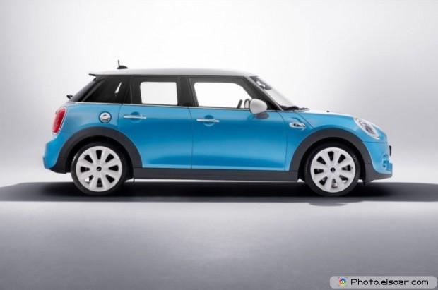 2015 Mini Cooper Hardtop 4 Door Side View Studio