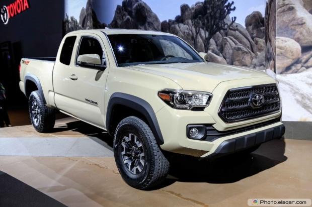 2016 Toyota Tacoma Front Three Quarter