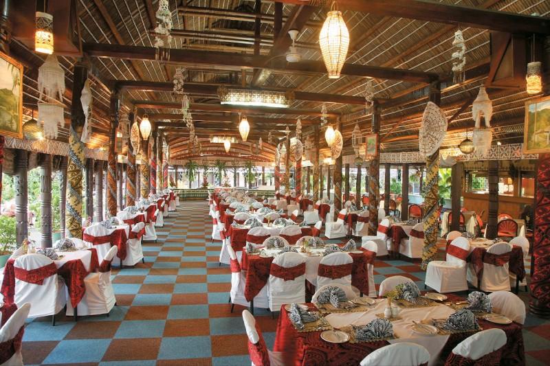 Aggie Grey's Hotel 1