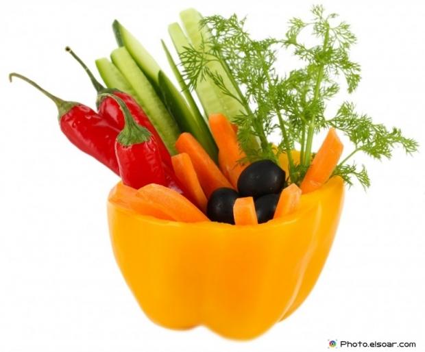 Components of fresh salads