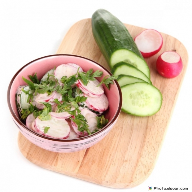 Cucumber and onions salad
