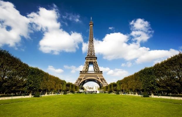 Eiffel Tower. Paris 2