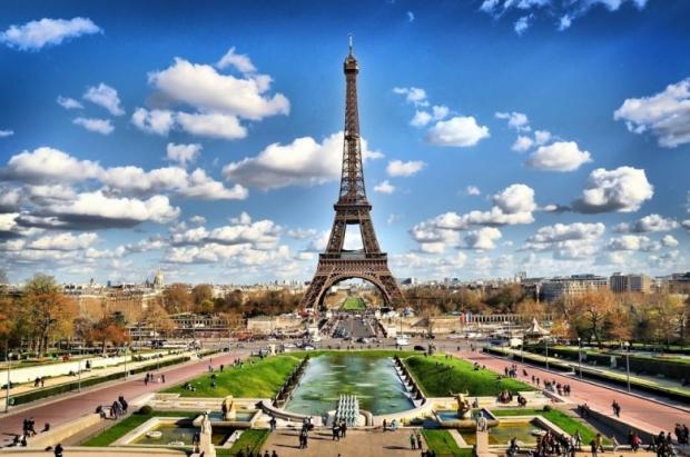 Eiffel Tower. Paris 3