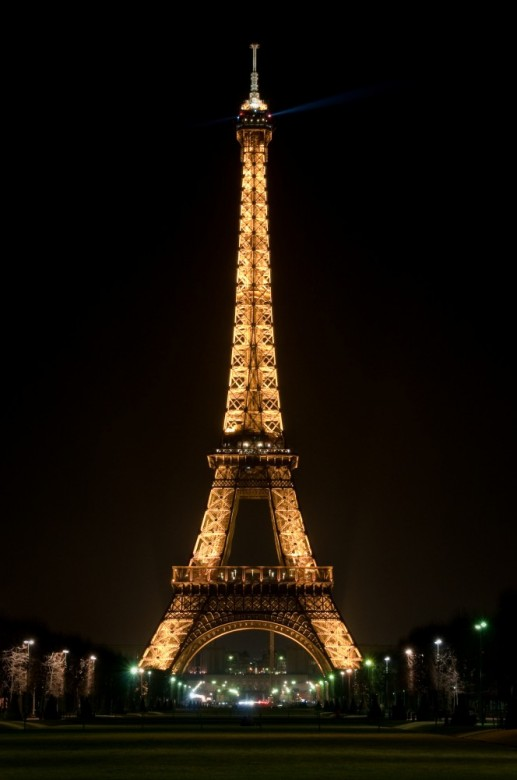 Eiffel Tower. Paris 4