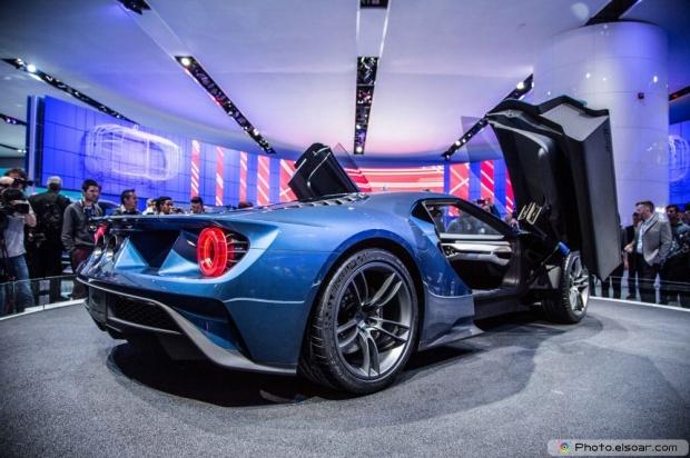 Ford GT At 2015 Detroit Auto Show Rear Three Quarter
