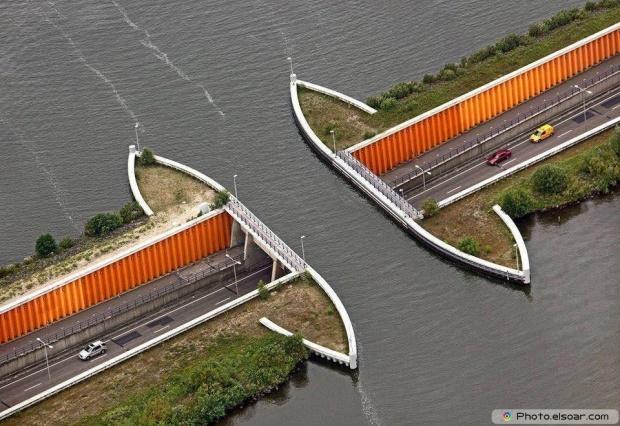 Fort de Roovere bridge, Netherland