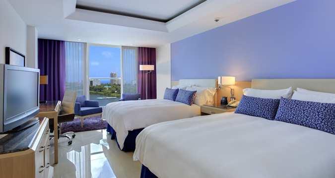 2 Queen Beds City View