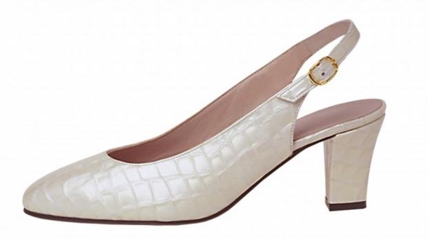 Individual Womens Shoe M