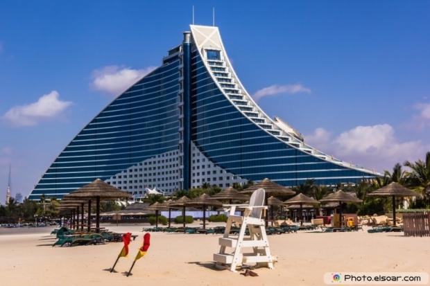 Jumeirah Beach Hotel, preceded by the beachfront