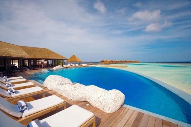 Lily Beach Resort & Spa, Maldives 10