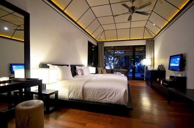 Lily Beach Resort & Spa, Maldives 9