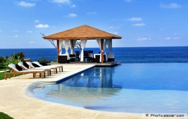 Luxury resort. Pavilion and swimming pool