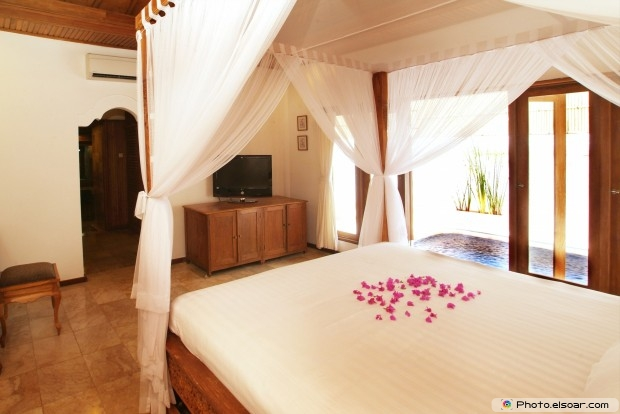 Small Bedroom Free Image