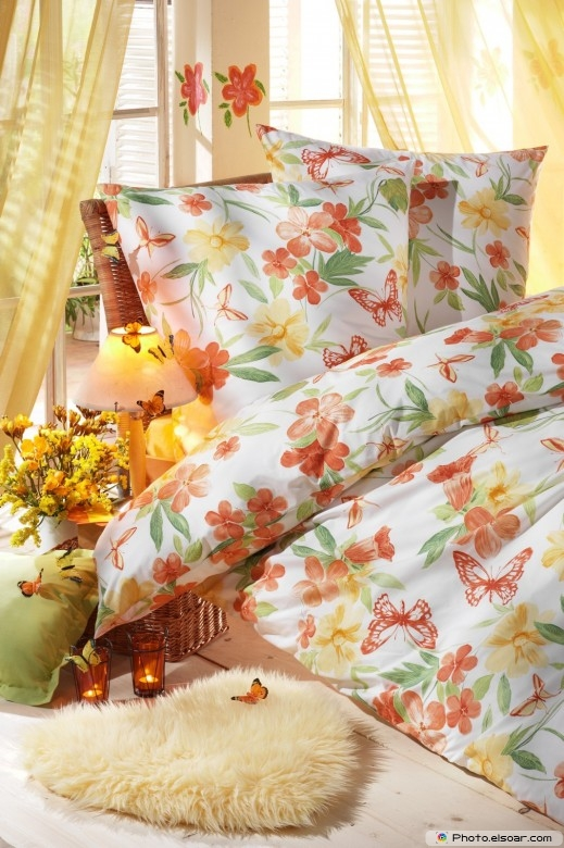 Stylish Linens and Pillows C