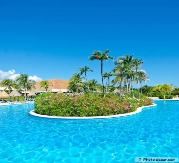 Swimming pool at the luxury mexican resort. Bahia Principe, Riviera Maya
