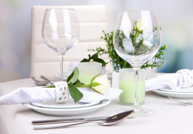 Table floral arrangement in restaurant 10