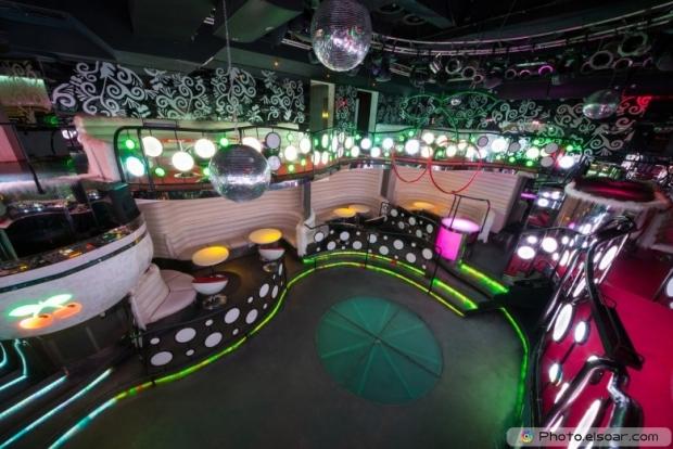 The nightclub Pacha with mirror balls