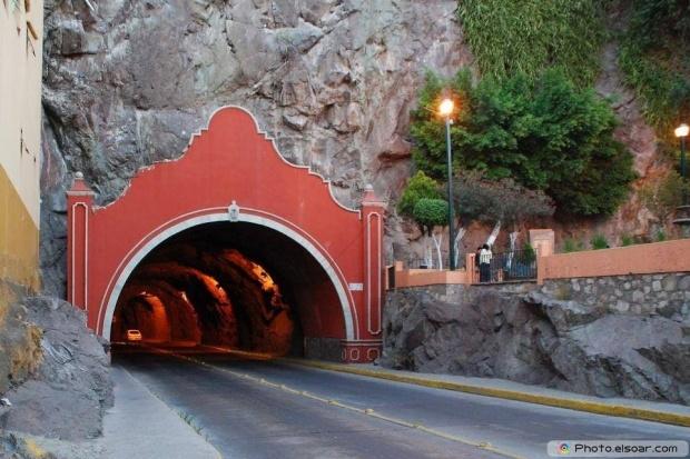 Tunnel entrance, Guanajuato